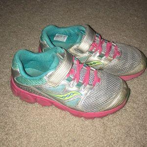 Saucony Kotaro 4. Size 1 Girls Tennis Shoes